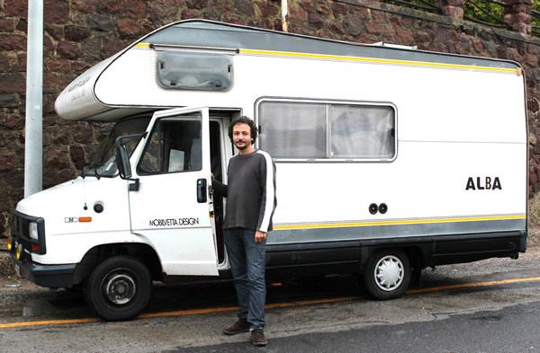 Daniel Tarozzi con il Camper ALBA